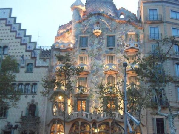 Испания. Топ-10 мест в Барселоне, в которых обязательно стоит побывать