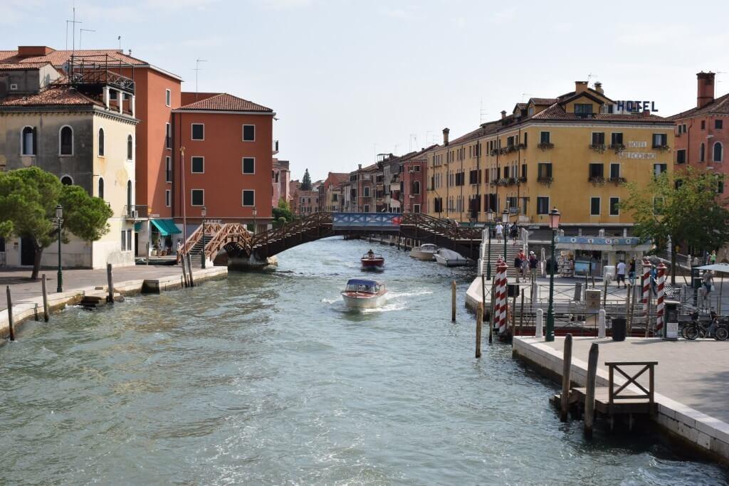 Венеция. Где снять не дорогое жильё, вкусно поесть и что посмотреть_01